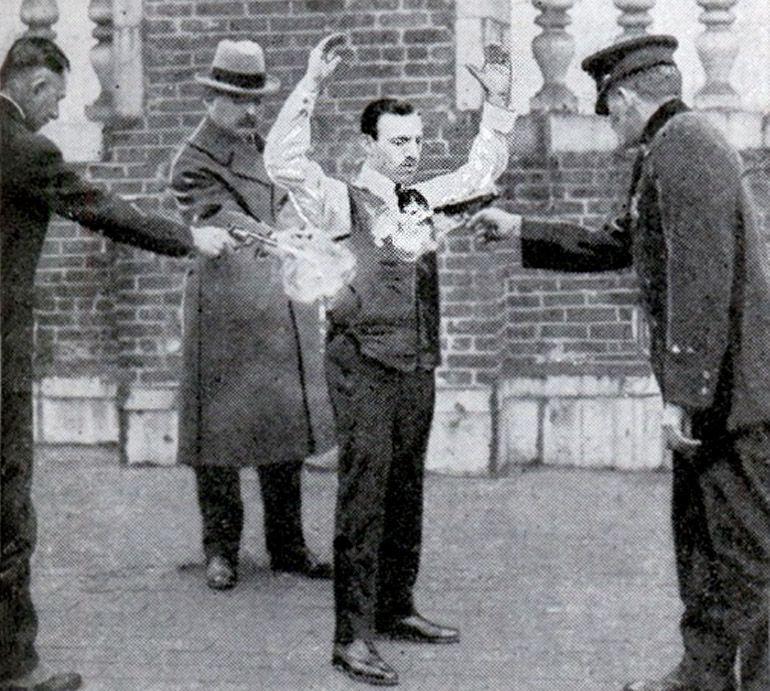 Zakonnik w pancerzu. Polak z Galicji wynalazł kamizelkę kuloodporną