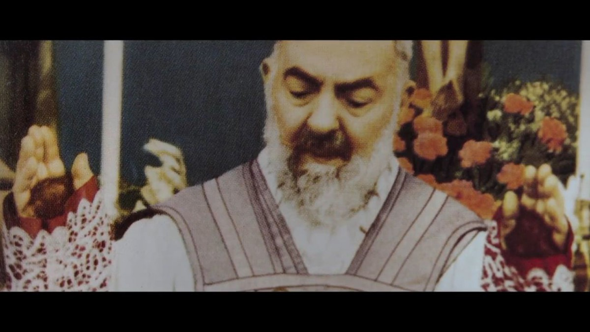 O cudach i spisku przeciw o. Pio [Recenzja]